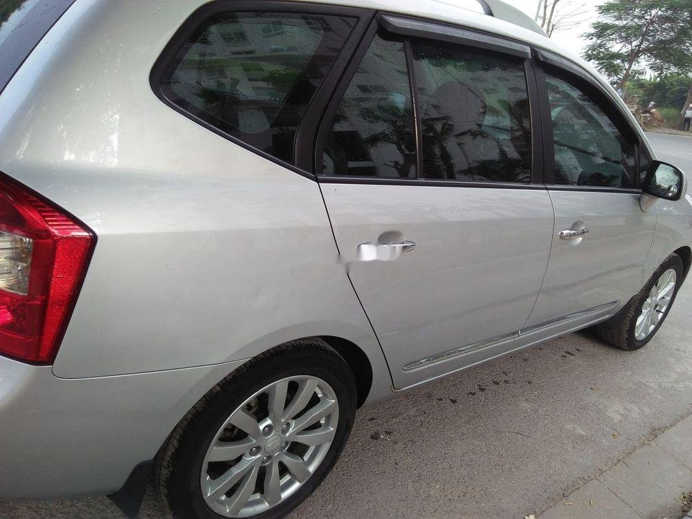 Bán xe Kia Carens năm 2015, màu bạc, giá tốt (4)