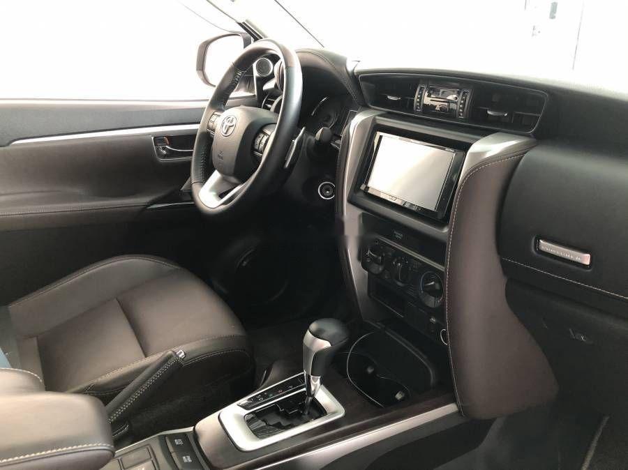 Bán xe Toyota Fortuner đời 2019, màu bạc (3)