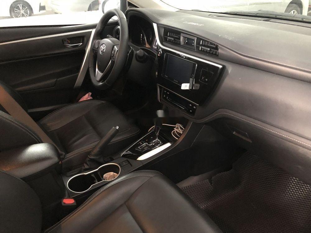 Bán Toyota Corolla Altis 2.0V 2017, màu trắng như mới (4)