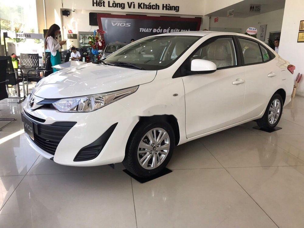 Cần bán Toyota Vios năm 2019, màu trắng. Ưu đãi lớn (5)