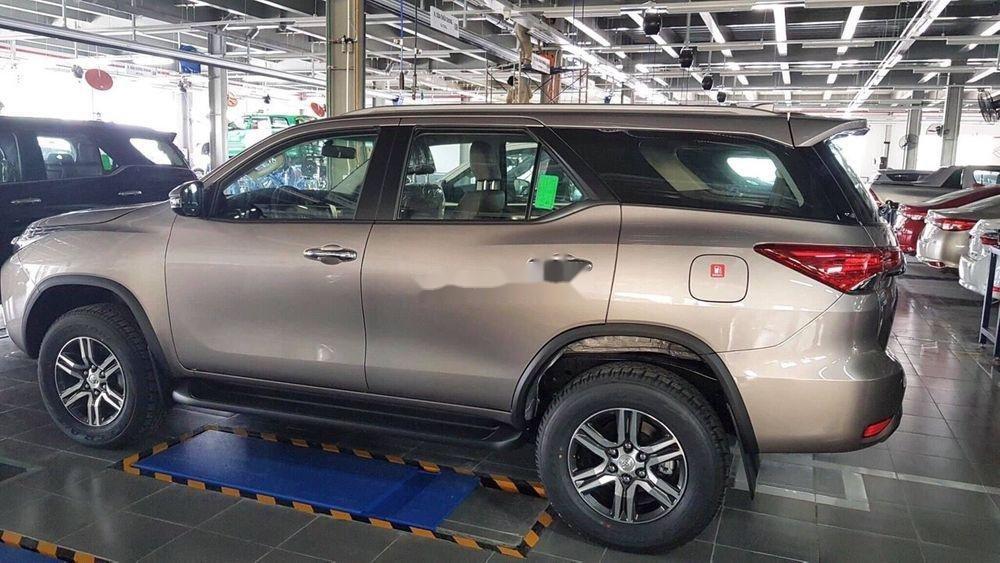Bán xe Toyota Fortuner sx 2019, ưu đãi hấp dẫn (4)