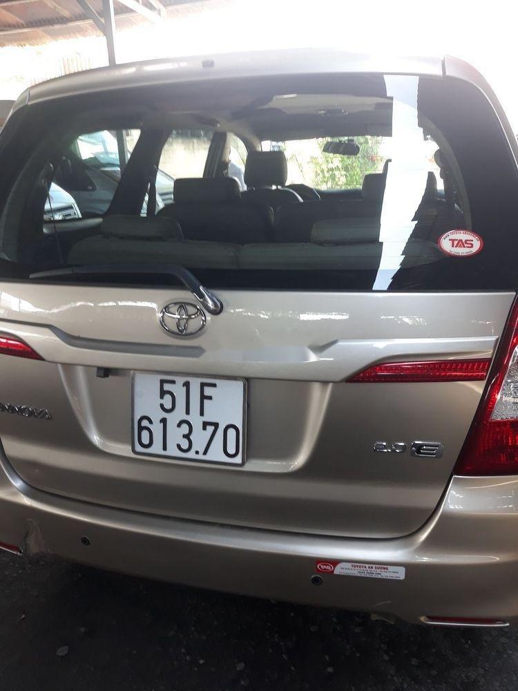Cần bán xe Toyota Innova 2016 giá cạnh tranh (5)