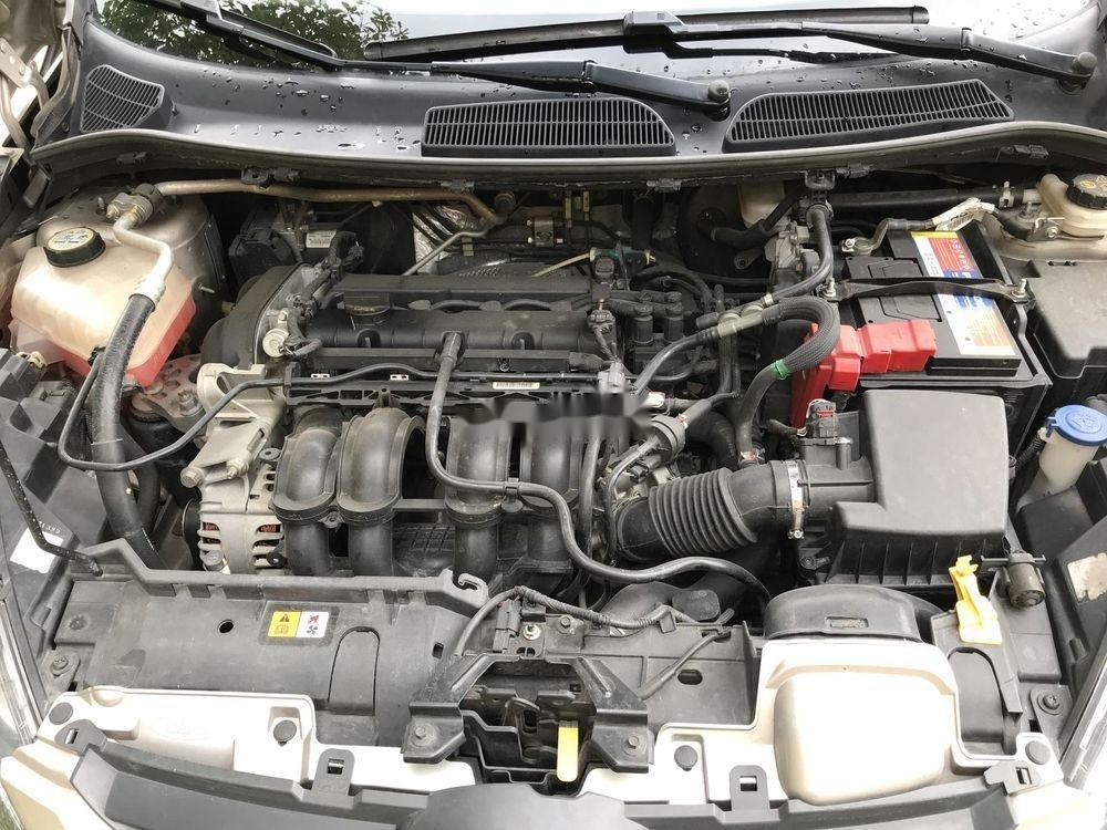 Cần bán xe Ford Fiesta đời 2012, màu vàng còn mới (2)
