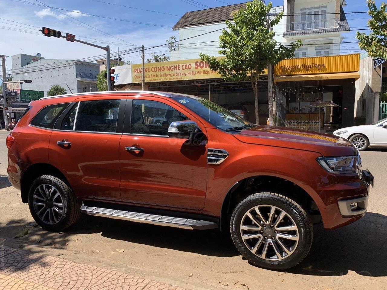 Ford Everest giá ưu đãi 75 đến 85 triệu (1)