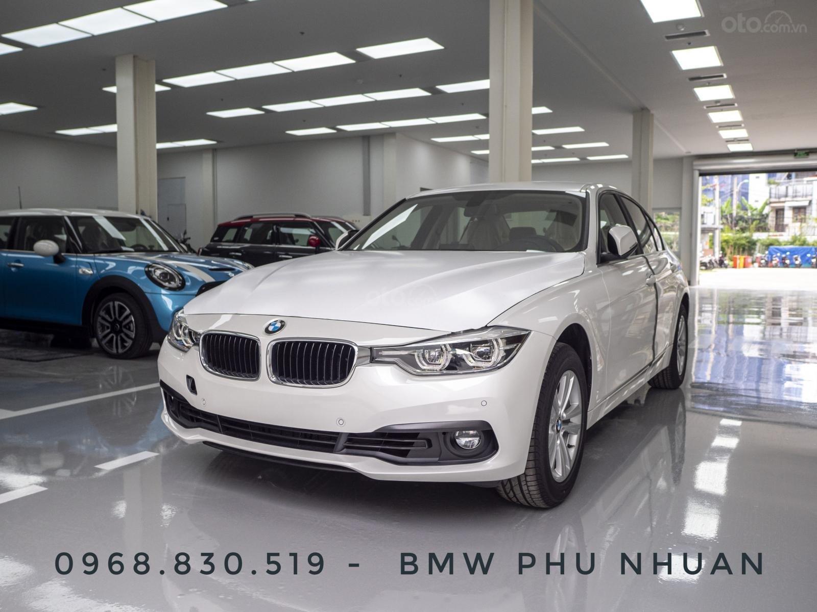 BMW 320i nhập Đức với siêu ưu đãi lớn lên đến 300 triệu, giá cực tốt tại thời điểm cuối năm (1)