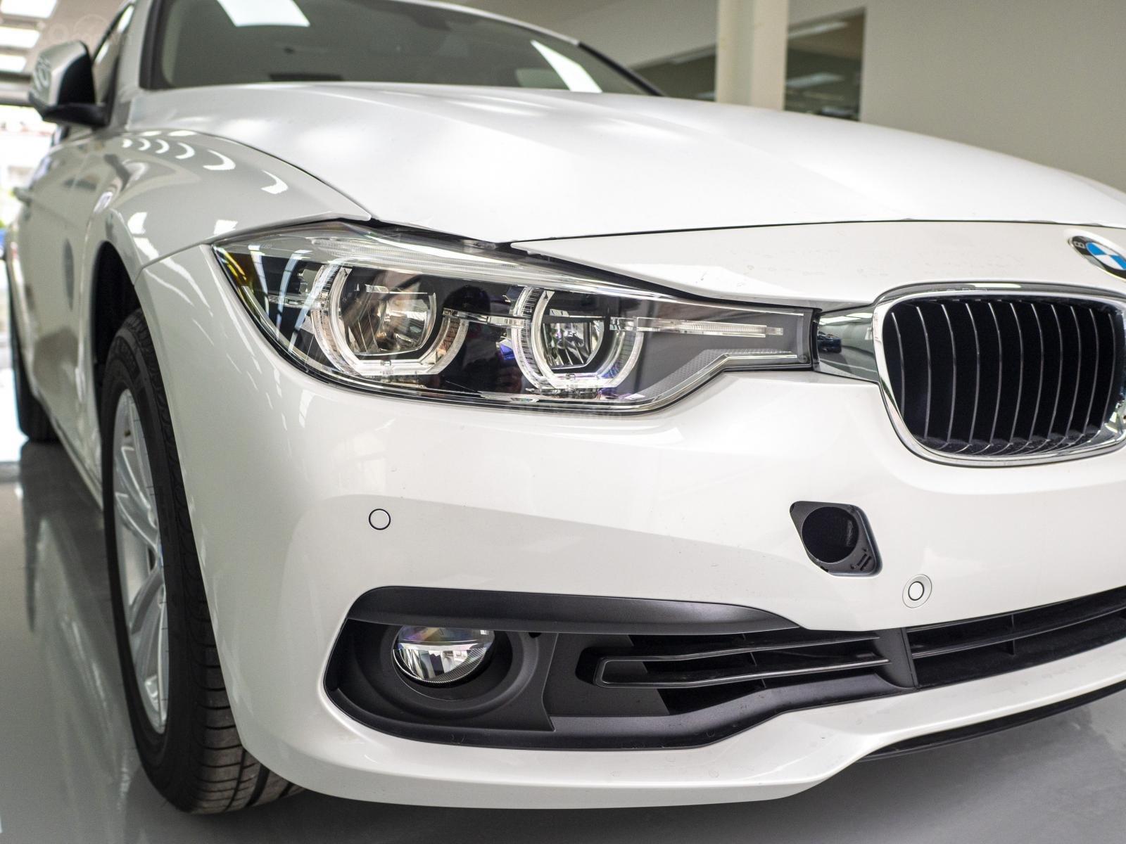 BMW 320i nhập Đức với siêu ưu đãi lớn lên đến 300 triệu, giá cực tốt tại thời điểm cuối năm (2)
