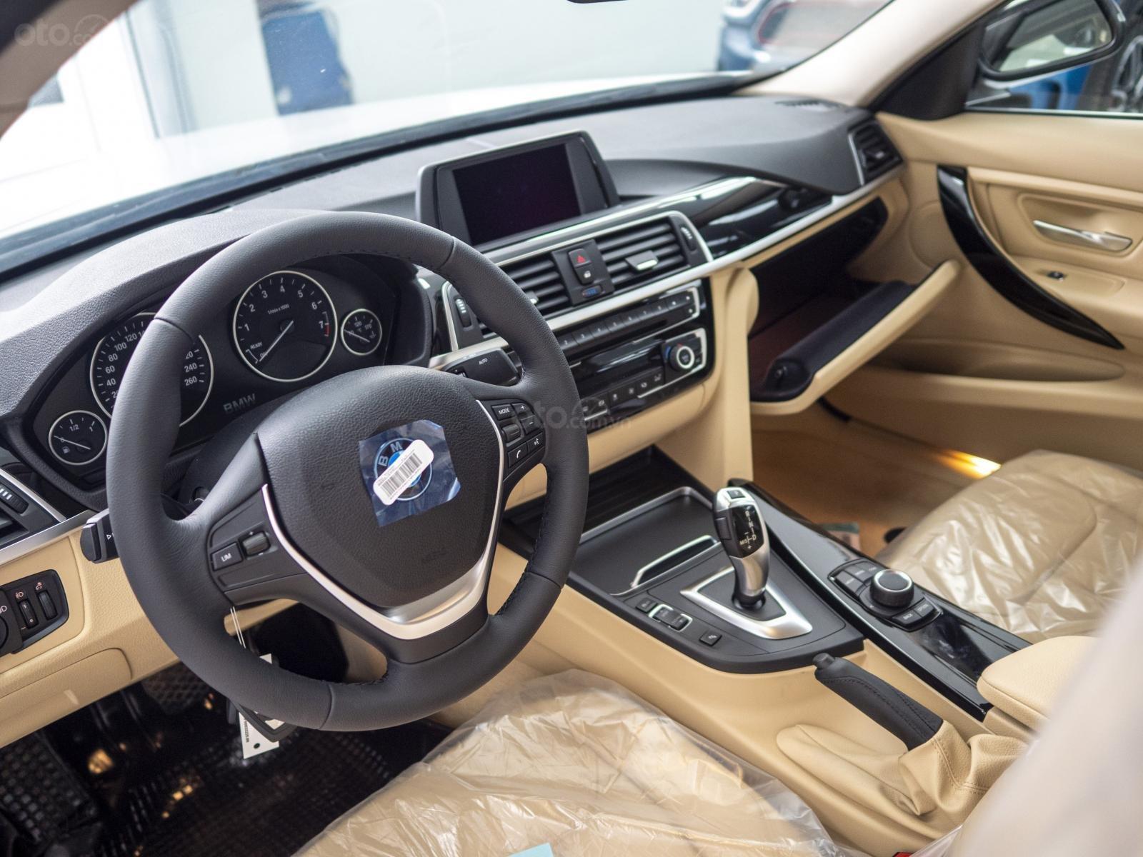 BMW 320i nhập Đức với siêu ưu đãi lớn lên đến 300 triệu, giá cực tốt tại thời điểm cuối năm (5)