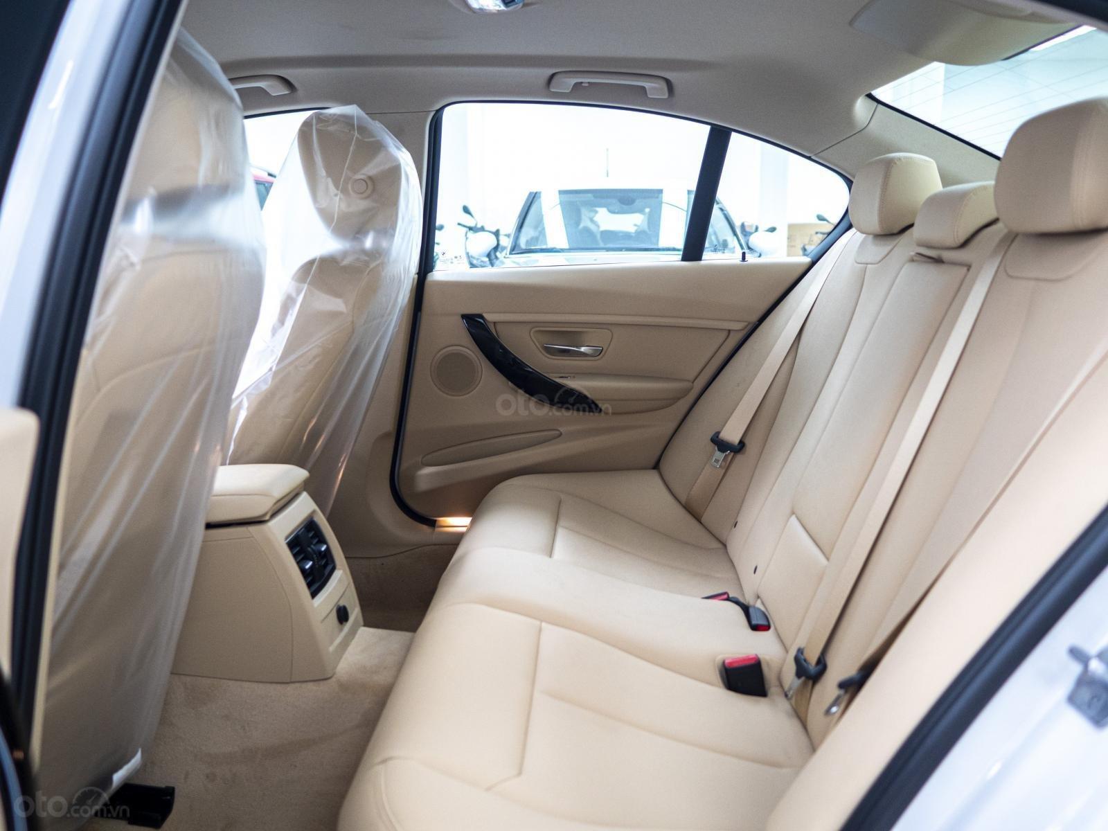 BMW 320i nhập Đức với siêu ưu đãi lớn lên đến 300 triệu, giá cực tốt tại thời điểm cuối năm (7)