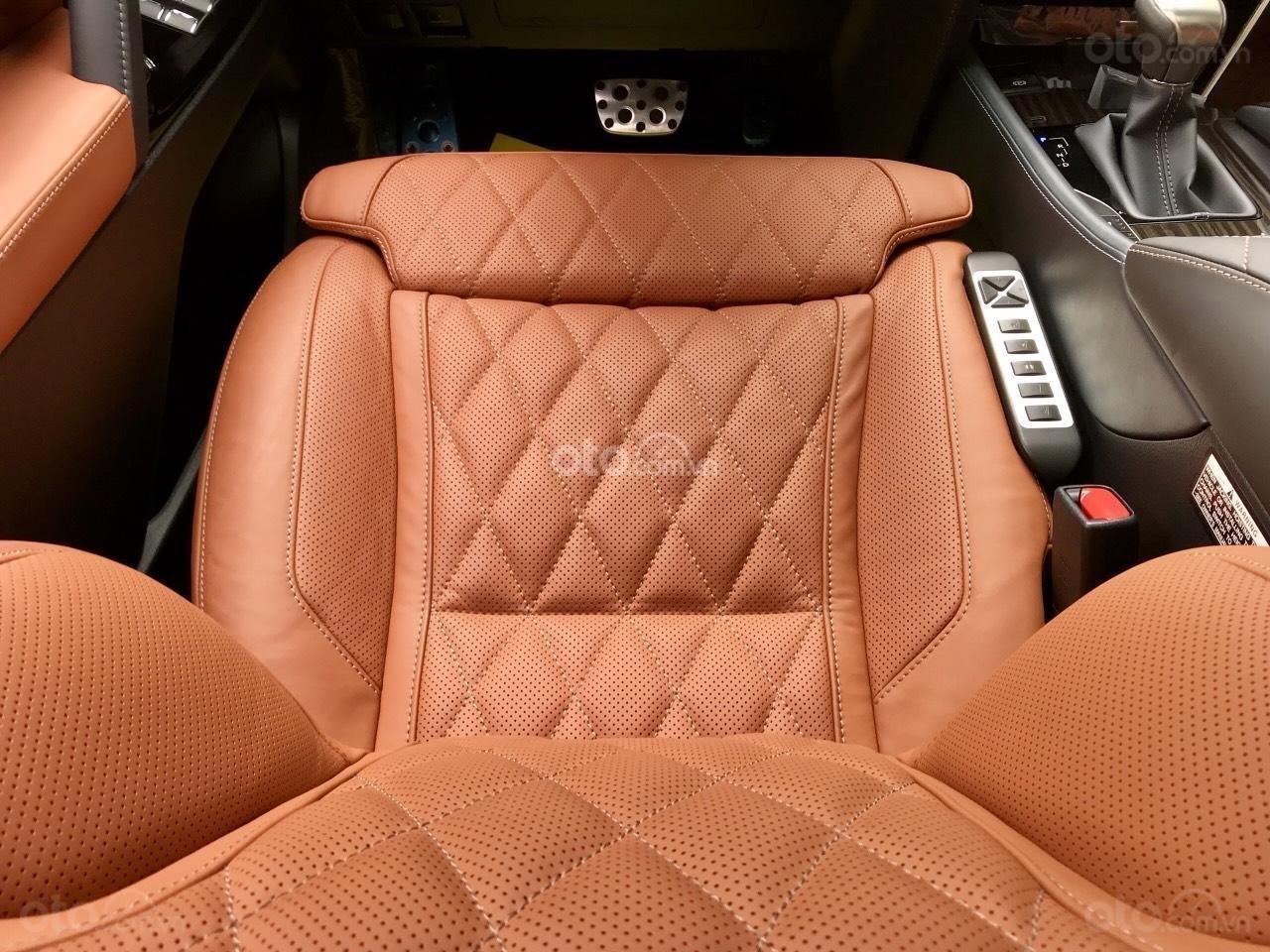 Cần bán chiếc Lexus LX 570S MBS, sx 2019, màu vàng, giá cả ưu đãi (6)