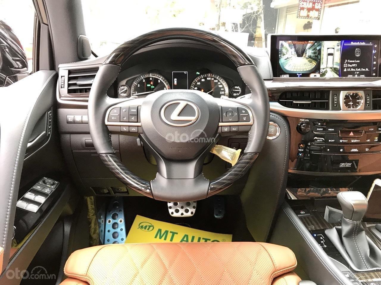 Cần bán chiếc Lexus LX 570S MBS, sx 2019, màu vàng, giá cả ưu đãi (13)