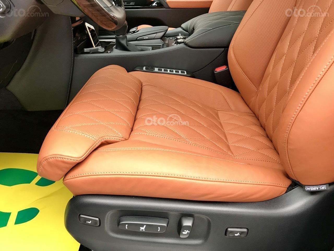 Cần bán chiếc Lexus LX 570S MBS, sx 2019, màu vàng, giá cả ưu đãi (22)