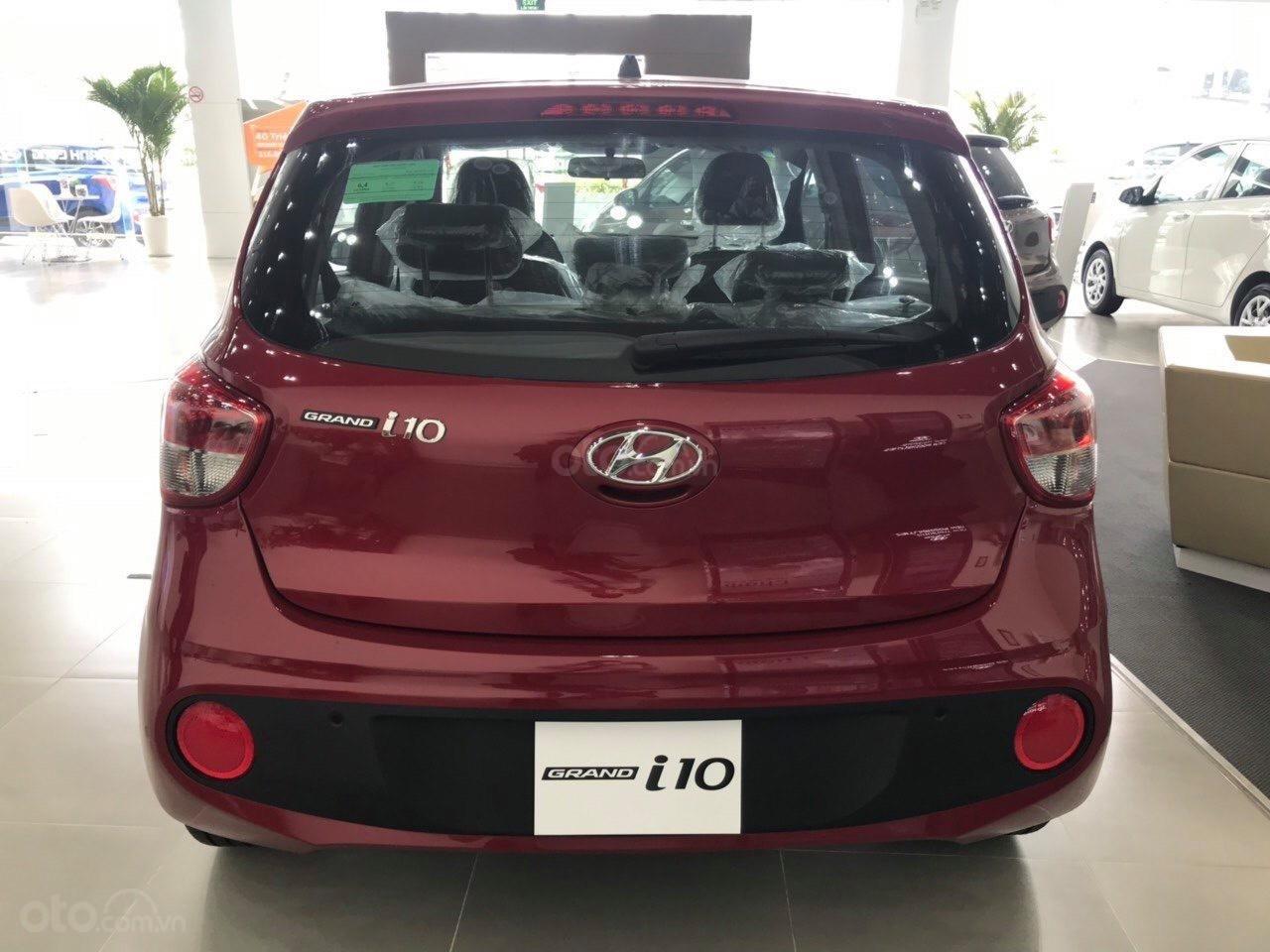 Bán Hyundai Grand i10 AT năm 2019, màu đỏ, tặng phụ kiện chính hãng cao cấp, có xe liền, hỗ trợ vay vốn ngân hàng (3)
