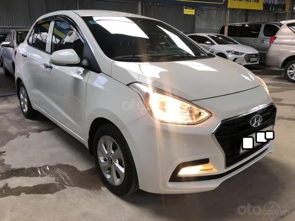 Bán Hyundai Grand i10 bản đủ đời 2019, sedan, màu trắng, đi ít (2)