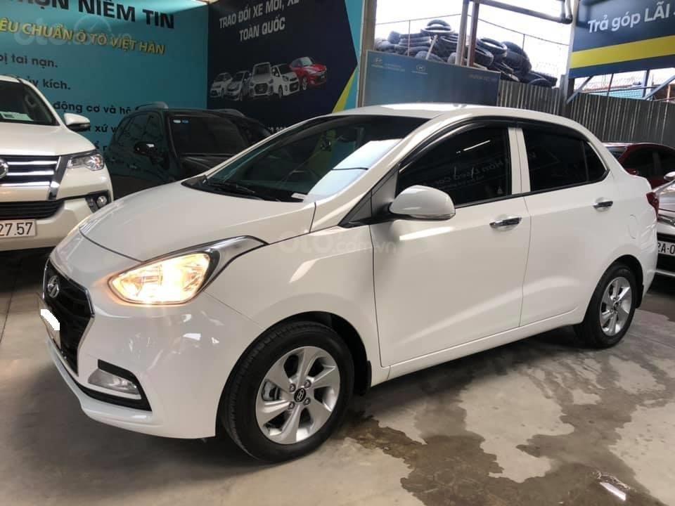 Bán Hyundai Grand i10 bản đủ đời 2019, sedan, màu trắng, đi ít (5)