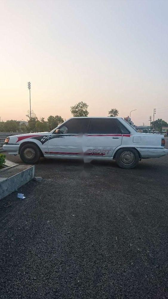 Cần bán xe Toyota Camry sản xuất năm 1984, nhập khẩu (1)
