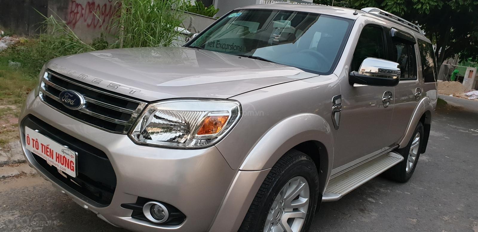Bán Ford Everest Limited dầu 2.5 số tự động đời t5/2015, màu ghi vàng đẹp mới 90% (1)