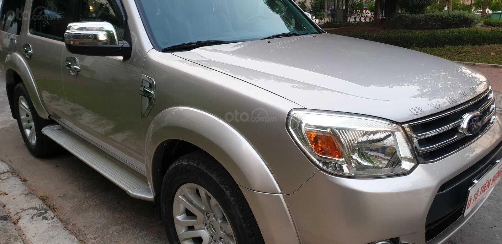 Bán Ford Everest Limited dầu 2.5 số tự động đời t5/2015, màu ghi vàng đẹp mới 90% (3)