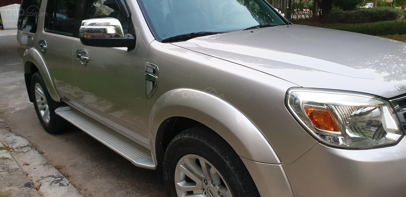 Bán Ford Everest Limited dầu 2.5 số tự động đời t5/2015, màu ghi vàng đẹp mới 90% (4)