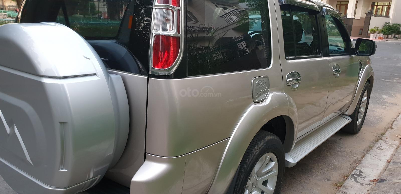 Bán Ford Everest Limited dầu 2.5 số tự động đời t5/2015, màu ghi vàng đẹp mới 90% (8)
