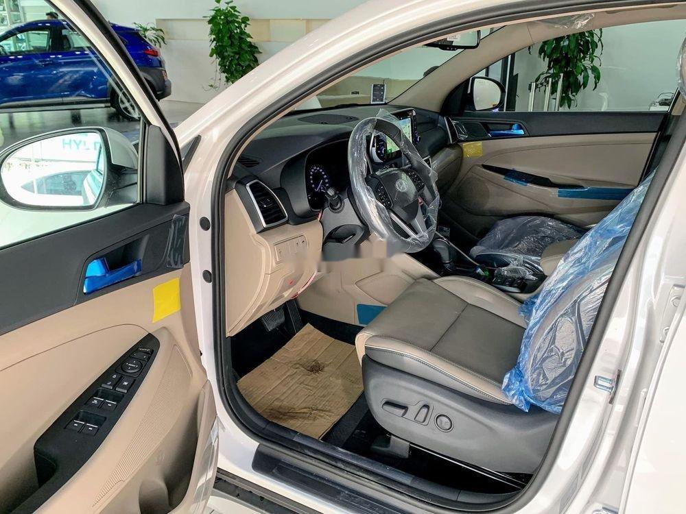Bán Hyundai Tucson đời 2019, màu trắng, tặng gói phụ kiện (6)