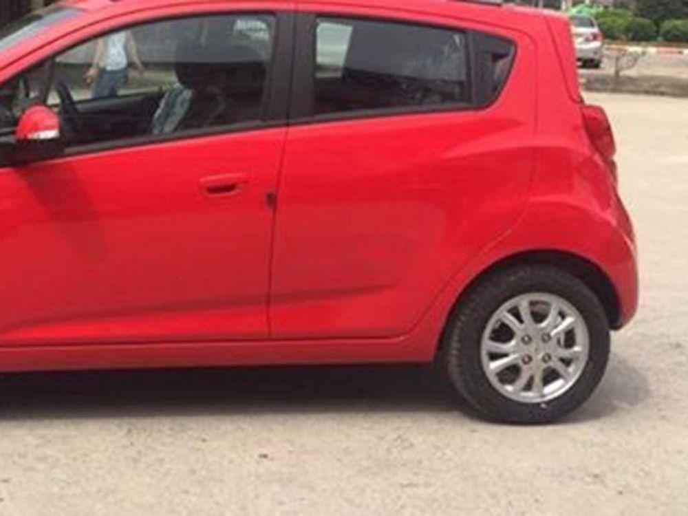 Bán Chevrolet Spark đời 2018, màu đỏ còn mới giá cạnh tranh (4)