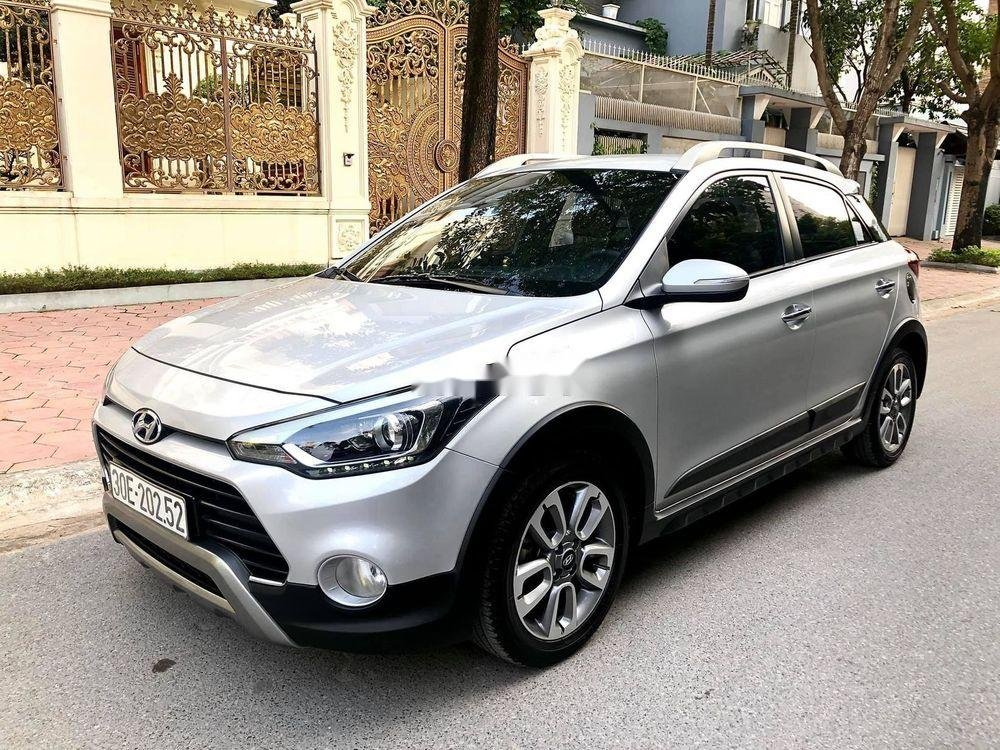 Cần bán Hyundai i20 Active năm 2016, màu bạc, nhập khẩu (1)