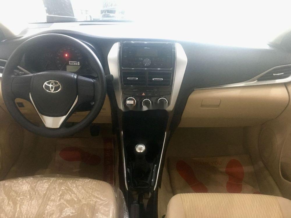 Cần bán Toyota Vios sản xuất năm 2019, màu vàng cát (5)
