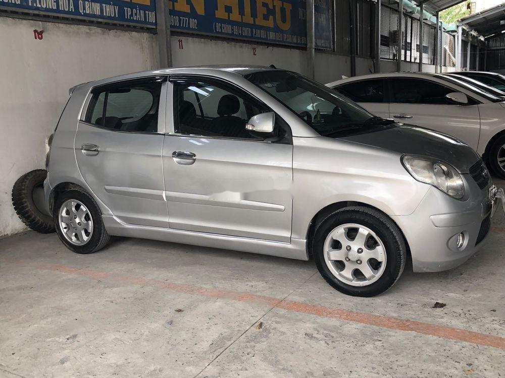 Bán ô tô Kia Morning đời 2010, màu bạc còn mới (1)