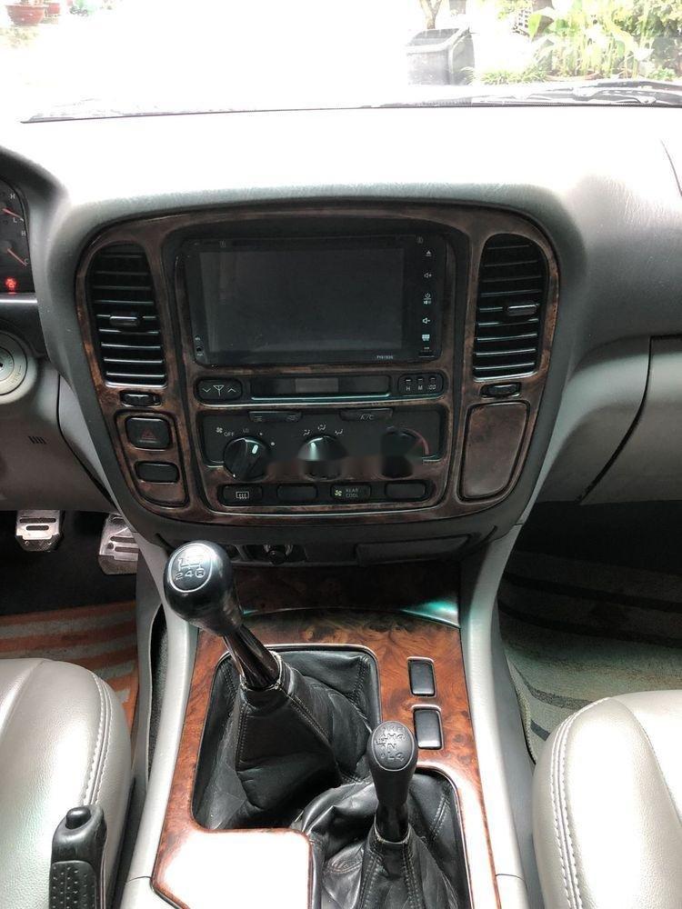 Bán Toyota Land Cruiser đời 2001, màu xám còn mới (12)