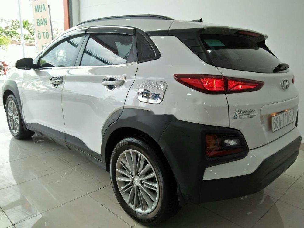 Cần bán lại xe Hyundai Kona đời 2018, màu trắng, nhập khẩu còn mới giá cạnh tranh (6)