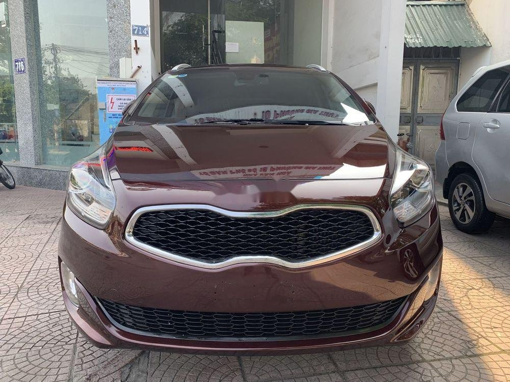Cần bán Kia Rondo sản xuất 2016, màu đỏ, xe nhập còn mới (1)