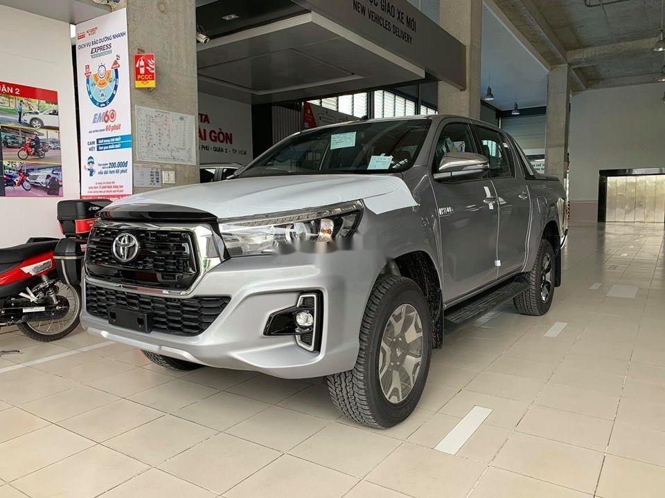 Bán Toyota Hilux đời 2019, màu bạc, nhập khẩu (6)