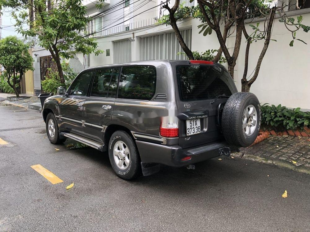 Bán Toyota Land Cruiser đời 2001, màu xám còn mới (7)