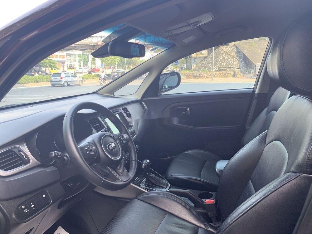 Cần bán Kia Rondo sản xuất 2016, màu đỏ, xe nhập còn mới (6)