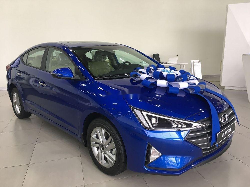 Bán xe Hyundai Elantra năm 2019, màu xanh lam. Đủ màu. Giao ngay (2)