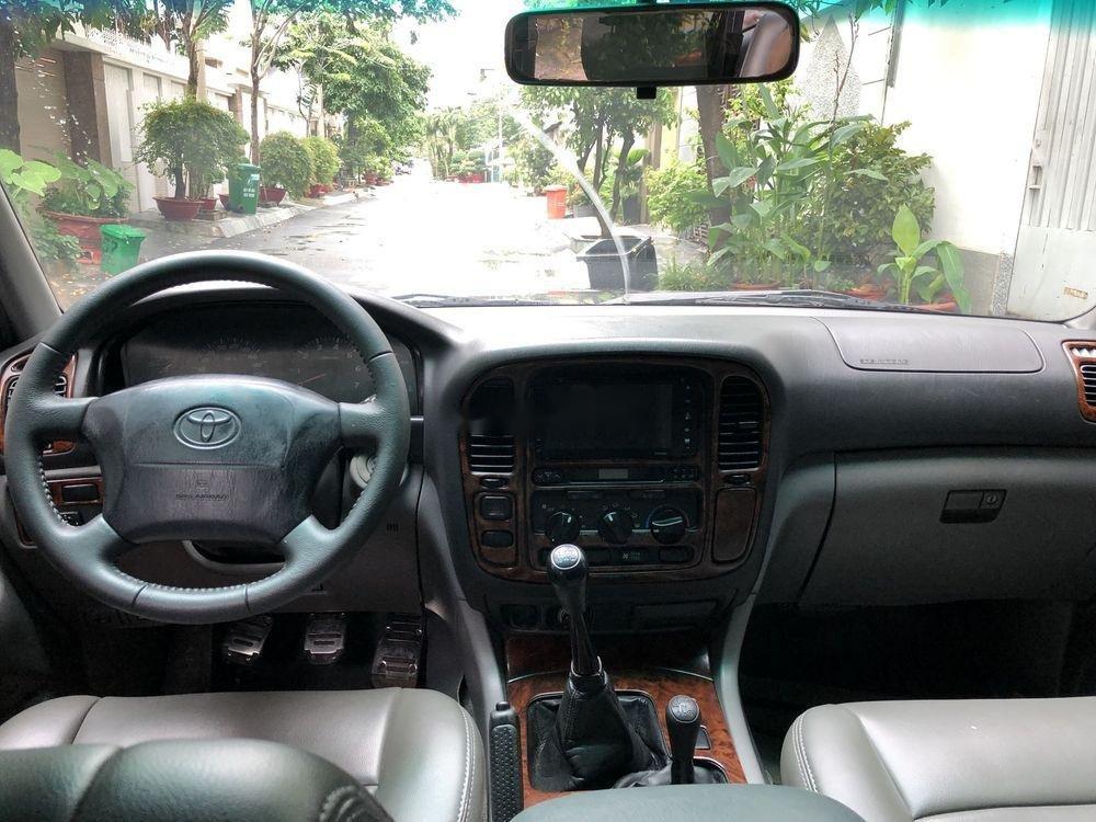 Bán Toyota Land Cruiser đời 2001, màu xám còn mới (9)