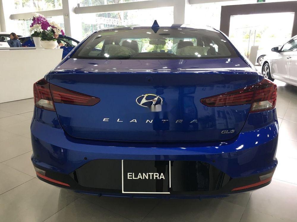 Bán xe Hyundai Elantra năm 2019, màu xanh lam. Đủ màu. Giao ngay (3)