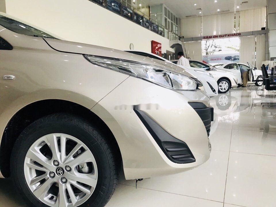 Cần bán Toyota Vios sản xuất năm 2019, màu vàng cát (2)