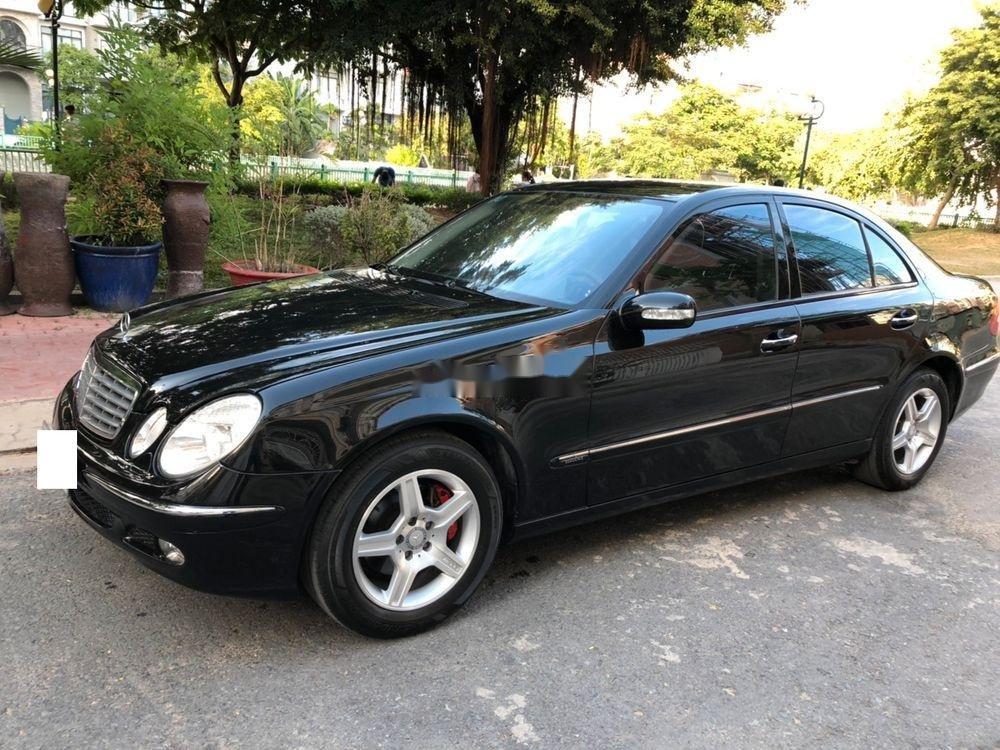 Bán xe Mercedes E class sản xuất năm 2004, giá chỉ 280 triệu (6)