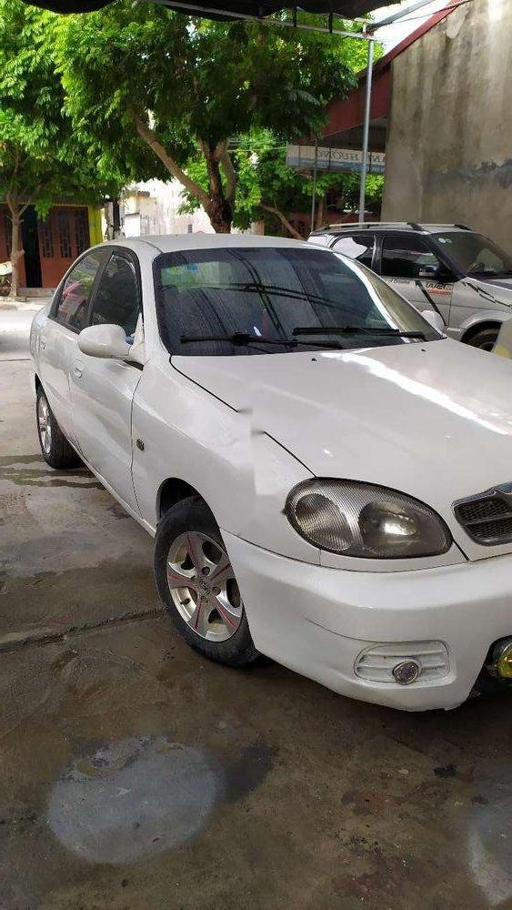 Cần bán lại xe Daewoo Lanos sản xuất năm 2002, màu trắng (1)