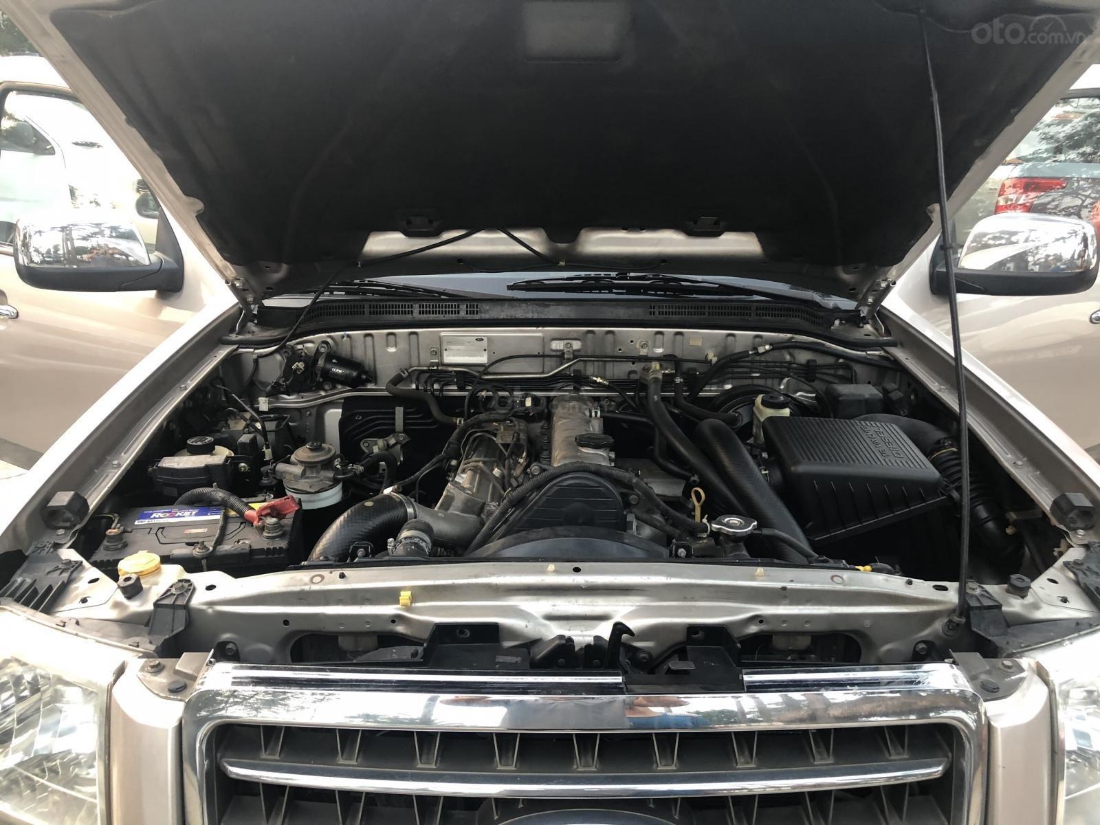 Bán xe Ford Everest 7 chỗ, máy dầu, số sàn, đời 2007 (12)