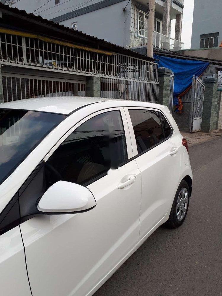 Cần bán xe Hyundai Grand i10 năm 2015, màu trắng, nhập khẩu (2)
