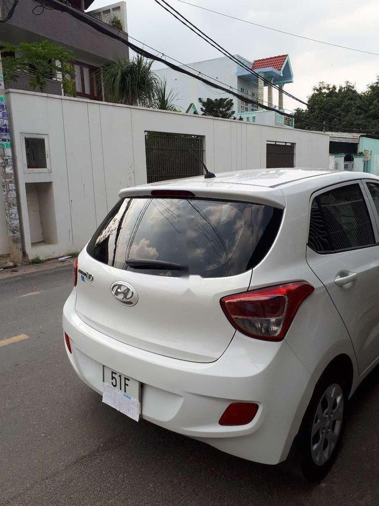 Cần bán xe Hyundai Grand i10 năm 2015, màu trắng, nhập khẩu (3)