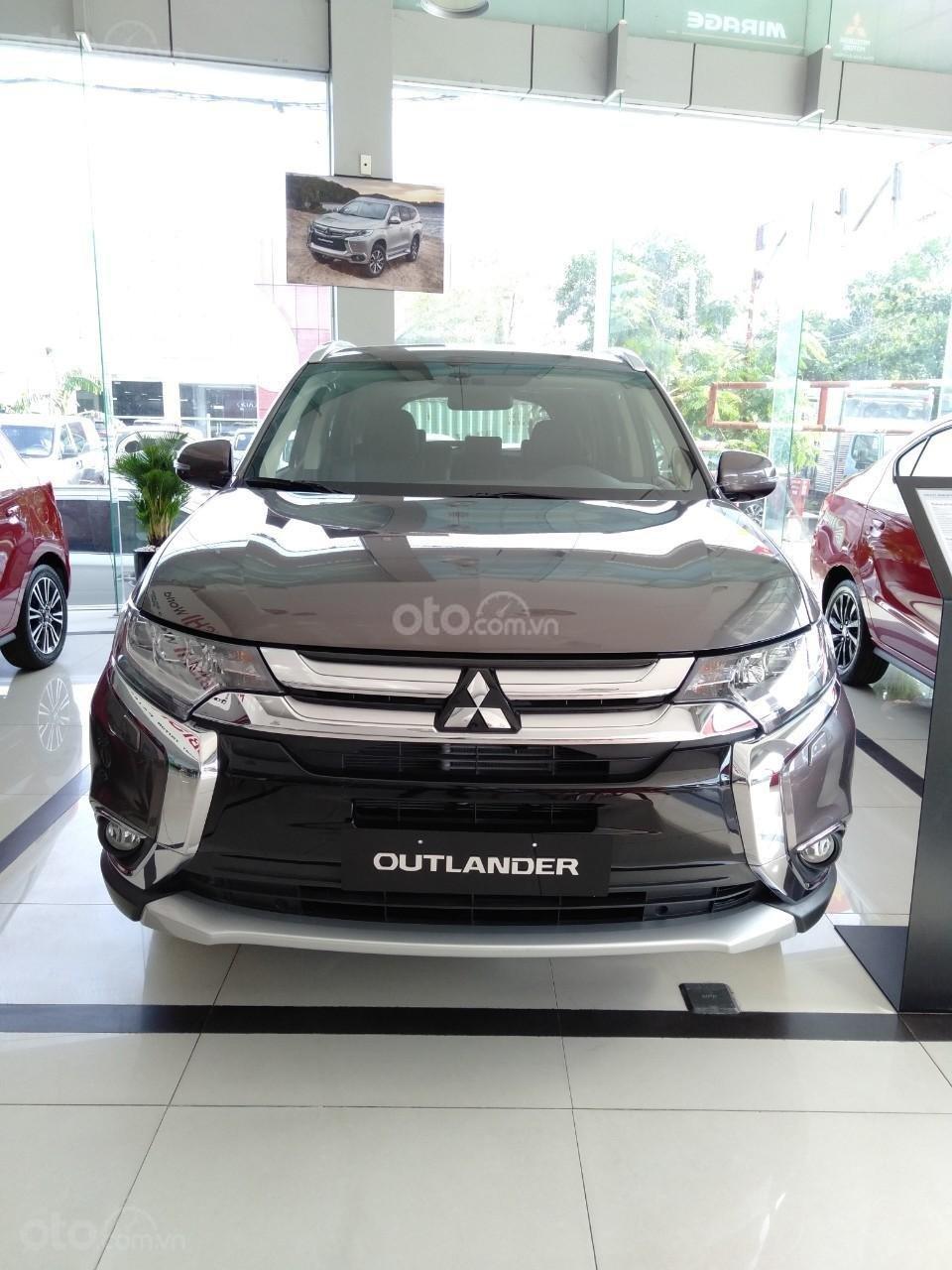 Mitsubishi Outlander 2019 bản 2.0 CVT giá chỉ 807,5 triệu, giao ngay (2)