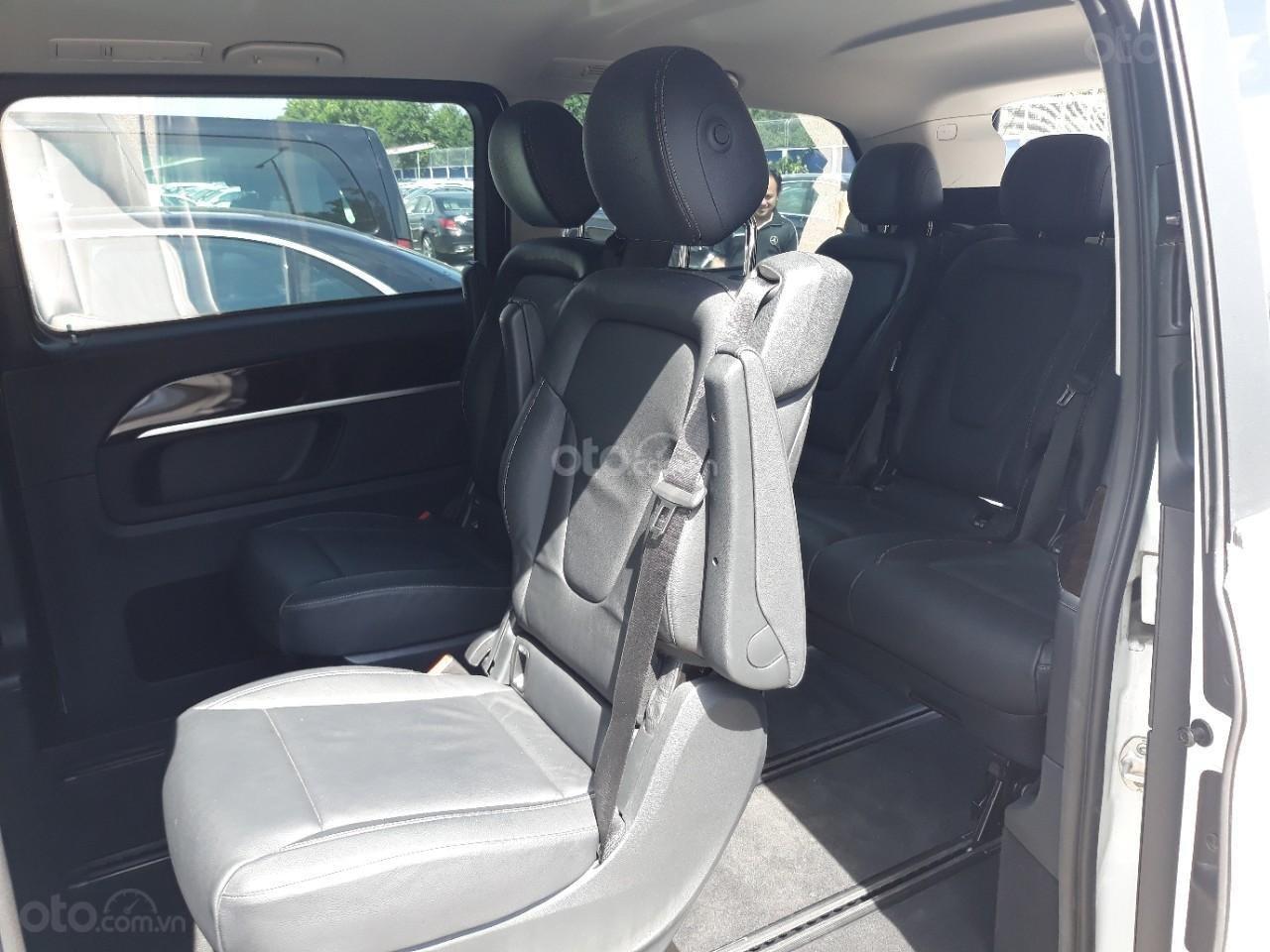 Bán xe Mercedes-Benz V Class 250 đời 2017, màu xám, nhập khẩu nguyên chiếc (7)