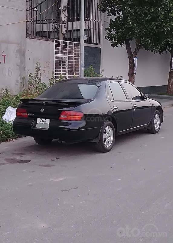 Bán Nissan Bluebird năm sản xuất 1995, màu đen, nhập khẩu  (2)