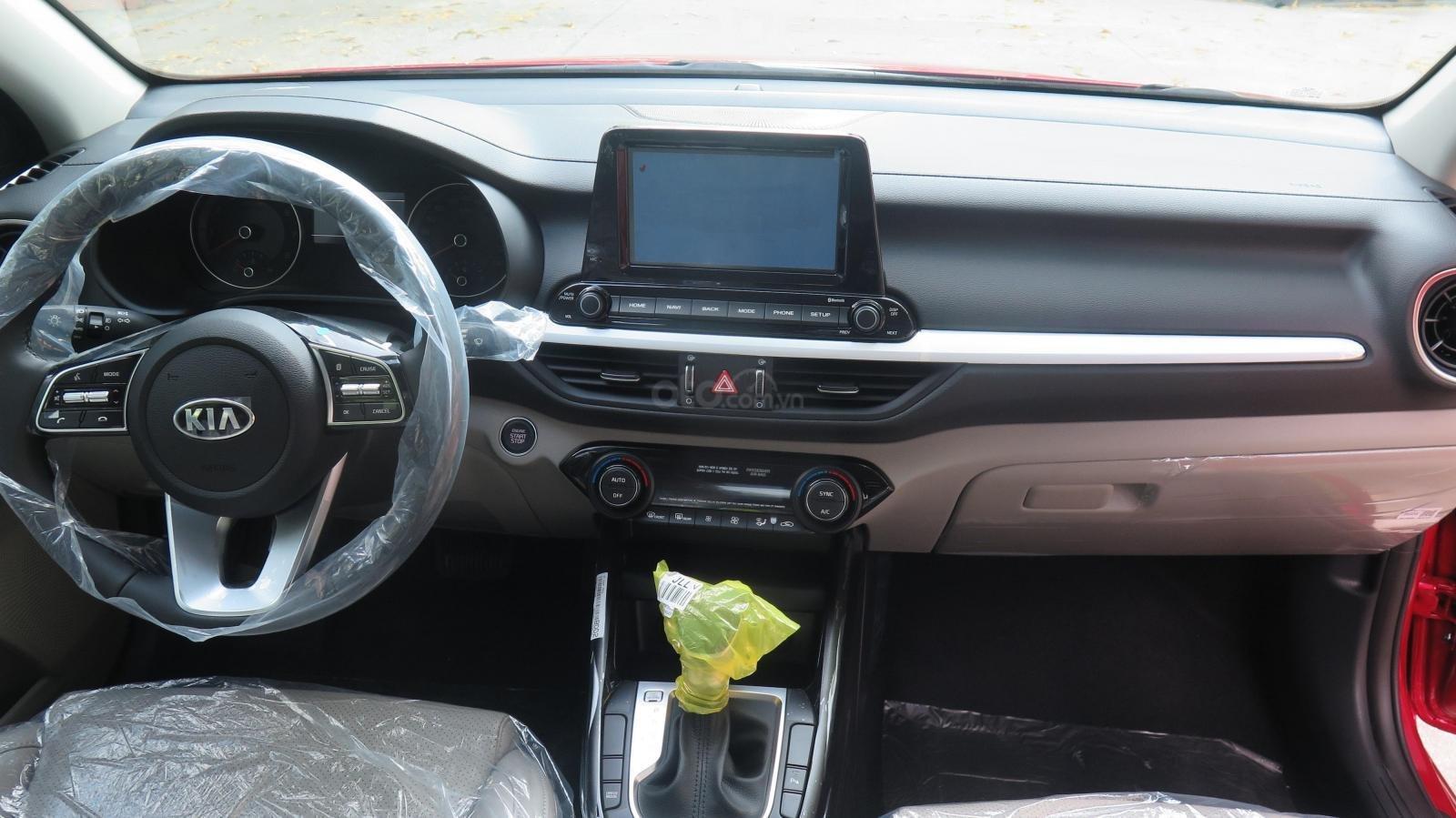 Bán xe Kia Cerato 1.6 AT Luxury SX 2019 màu đỏ giá 635 triệu (4)