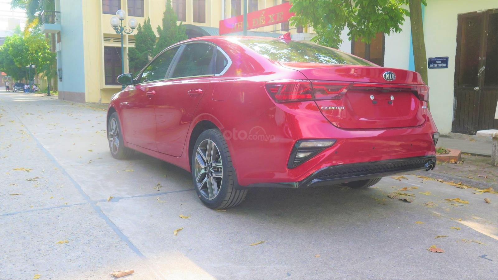 Bán xe Kia Cerato 1.6 AT Luxury SX 2019 màu đỏ giá 635 triệu (6)