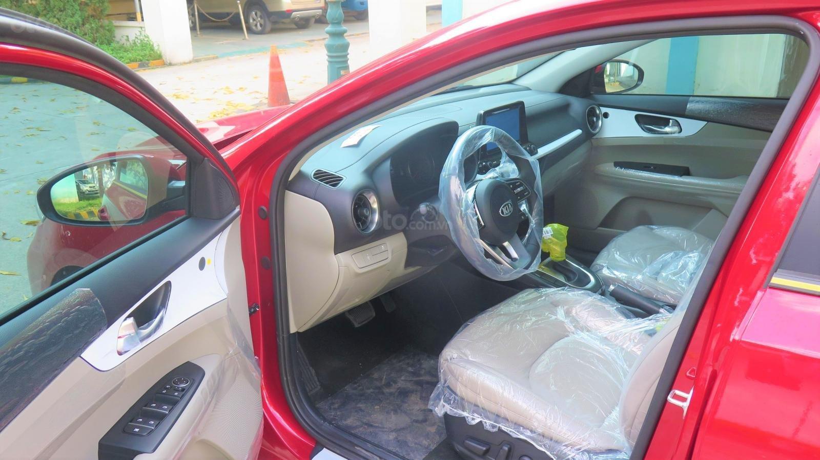 Bán xe Kia Cerato 1.6 AT Luxury SX 2019 màu đỏ giá 635 triệu (16)