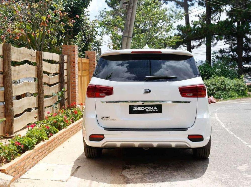 Bán ô tô Kia Sedona sản xuất năm 2019, màu trắng, xe nhập (4)